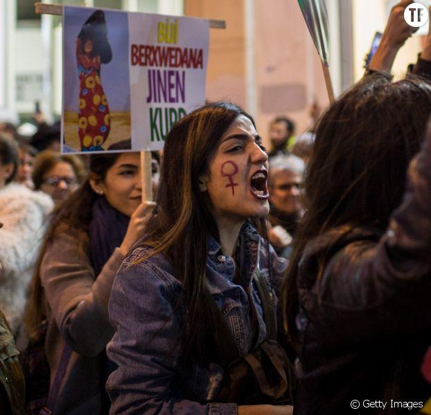 Femmes manifestant lors de la Journée internationale des droits des femmes à Instanbul le 8 mars 2017