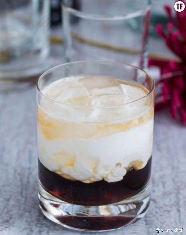 Cockail à base de noix de coco, de liqueur de café et de vodka