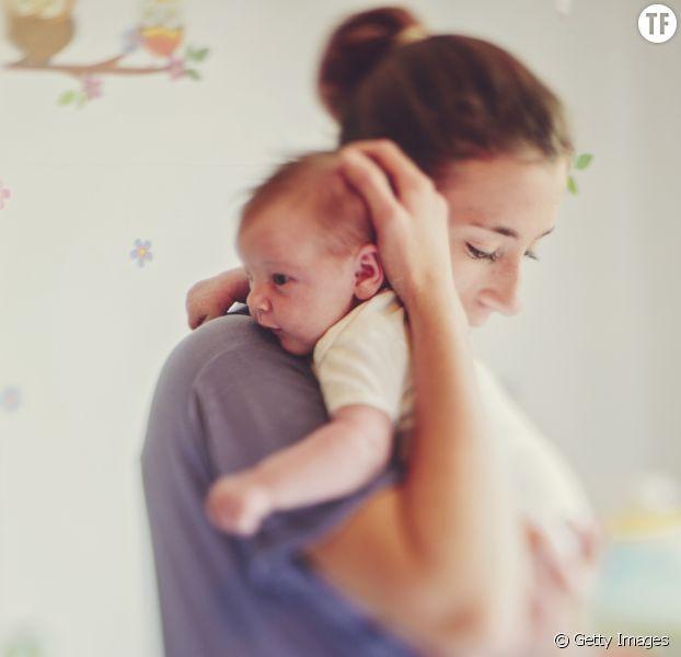 Tenir un bébé est bon pour sa santé et son développement