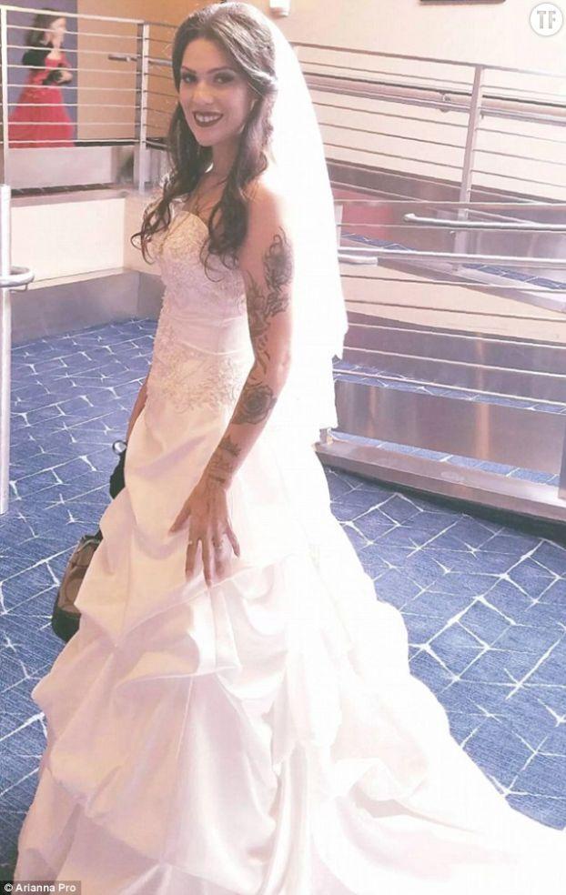 Arianna Pro dans la robe de Dawnetta Heinz