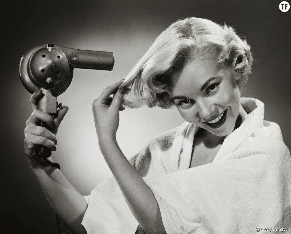Voilà pourquoi vous ne devriez jamais utiliser les sèche-cheveux des hôtels