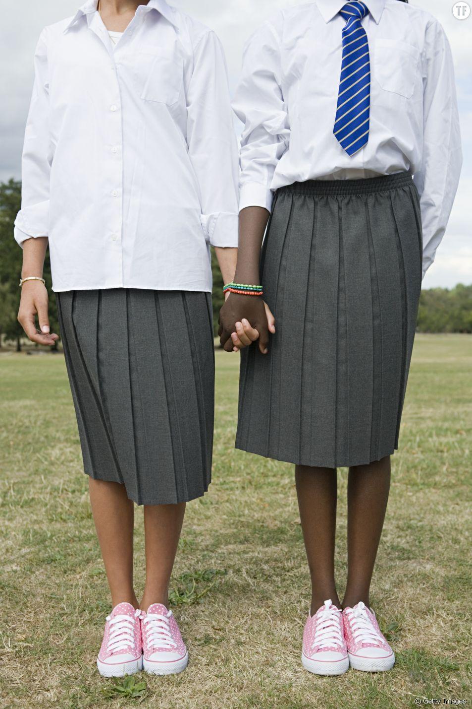 Des cours de port de talons pour les jeunes filles créent la polémique