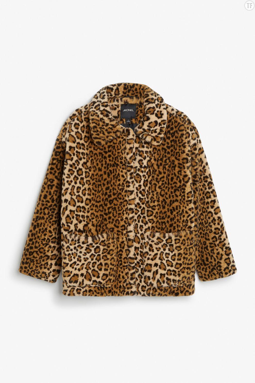 Manteau léopard en fourrure synthétique Monki, 70€
