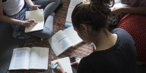 Une campagne de pub encourage les étudiantes belges à se prostituer