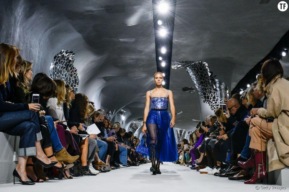 Adowa Aboah au défilé Christian Dior, à la fashion week parisienne en septembre 2017.