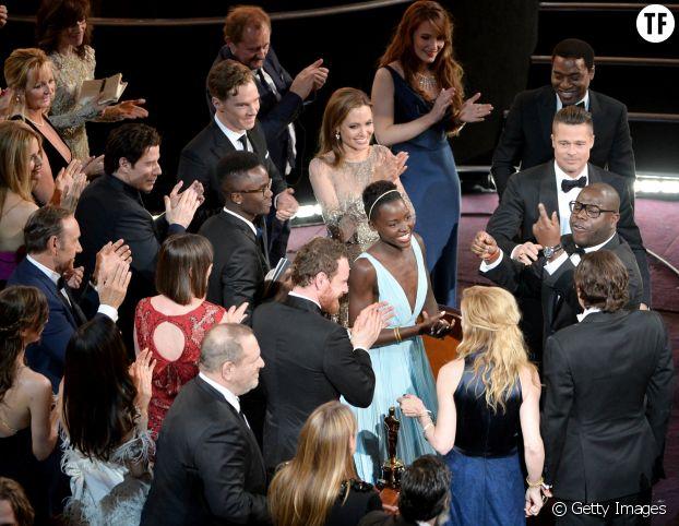 Harvey Weinstein, non loin d'Angelina Jolie, lors de la 86ème cérémonie des Awards.