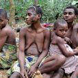 Tribu africaine, dans une forêt de la républicaine centre-africaine