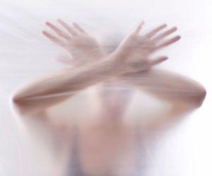 #1femmesur2 : 100 personnalités réclament un plan d'urgence contre les violences sexuelles