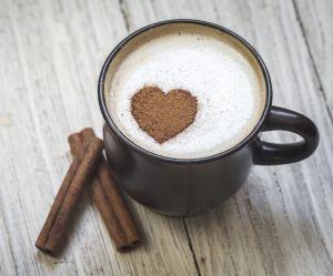 Pourquoi vous devriez ajouter de la cannelle à votre café
