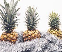 Oubliez le sapin et décorez votre ananas de Noël