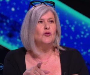 """Une jurée de """"Nouvelle Star"""" touche les fesses d'un candidat et choque les spectateurs"""