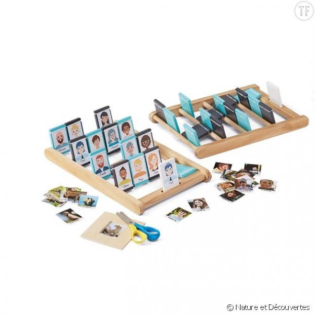 Un plateau en bois personnalisabledu célèbre jeu Qui est-ce ?
