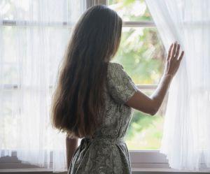 Souffrez-vous d'anuptaphobie ? Les signes qui ne trompent pas