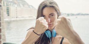 Les deux mouvements de self-defense que toutes les femmes devraient connaître