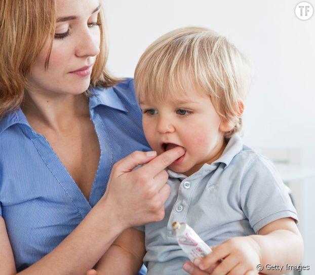 Au Portugal, on frotte du gros sel sur les gencives de bébé pour le soulager des douleurs dentaires