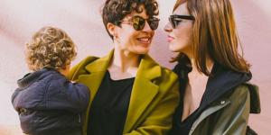 Instagram censure la photo de deux mamans avec leur fils : le couple réplique