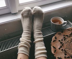 Pourquoi a-t-on toujours les pieds froids ? (et comment y remédier)