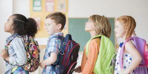 Égalité des sexes dans les manuels scolaires : en progrès, mais peut mieux faire