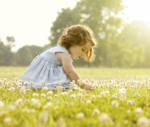 10 jolis prénoms pour petites filles inspirés par la poésie