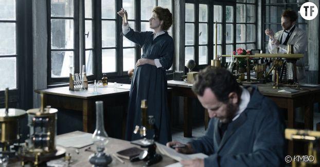 Marie Curie dans son laboratoire