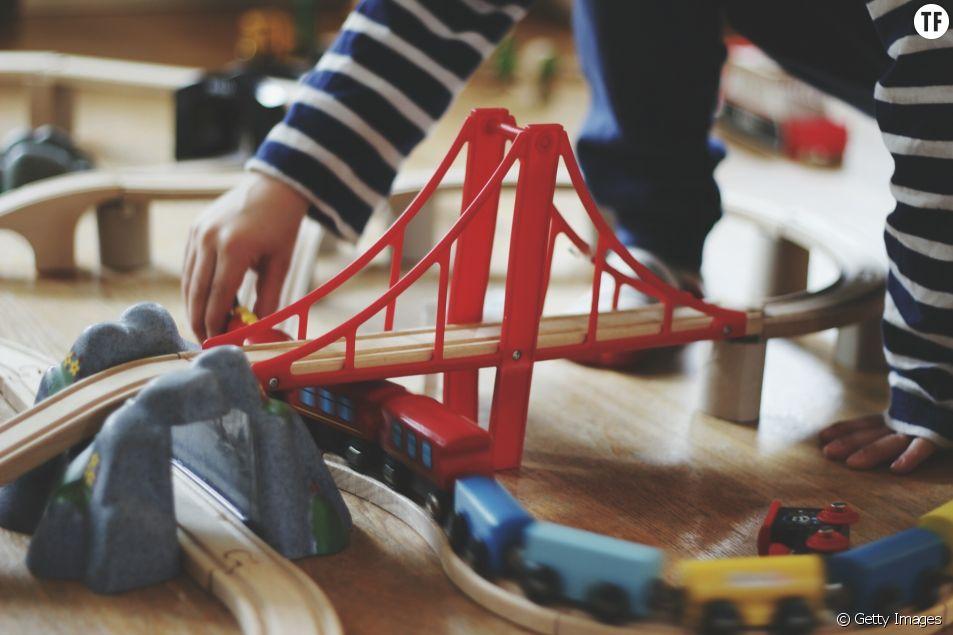 Sur 200 jouets en plastique, 20 contiennent des métaux lourds toxiques pour l'enfant