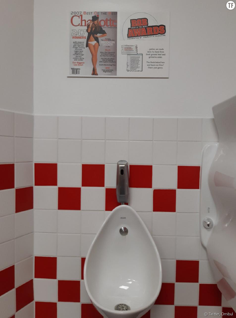 Les affiches sexistes dans les toilettes des hommes de Five Guys
