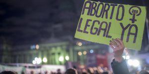 Une Argentine de 11 ans violée subit une césarienne après un refus de l'avorter