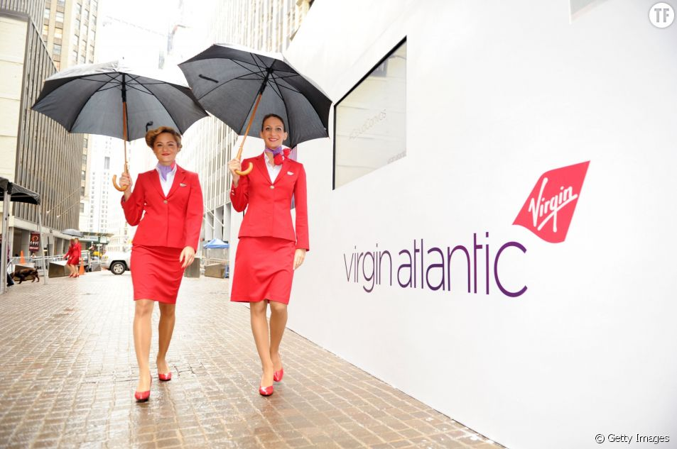 Des hôtesses Virgin Atlantic en 2012