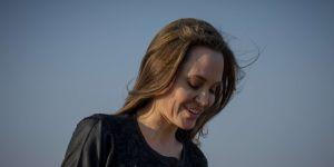 """Angelina Jolie déclare son amour aux """"femmes maléfiques"""" (et c'est magnifique)"""