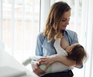 On la vire d'une réunion Pôle Emploi parce qu'elle allaite son bébé