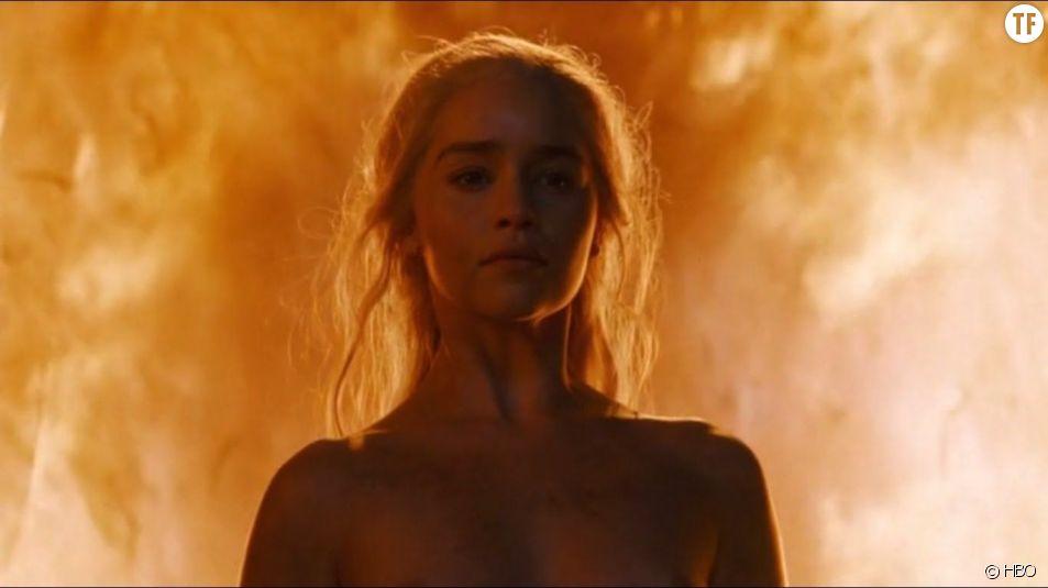 Emilia Clarke nue dans Game of Thrones