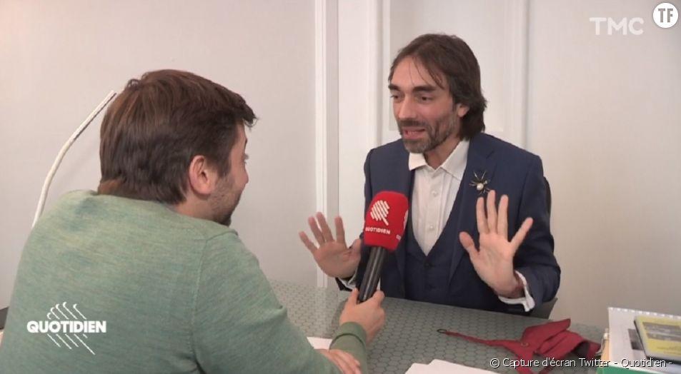 """Cédric Villani répond aux questions de Paul Larrouturou dans """"Quotidien""""."""