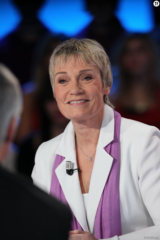 Simone, la voix de la SNCF, nous lit des histoires