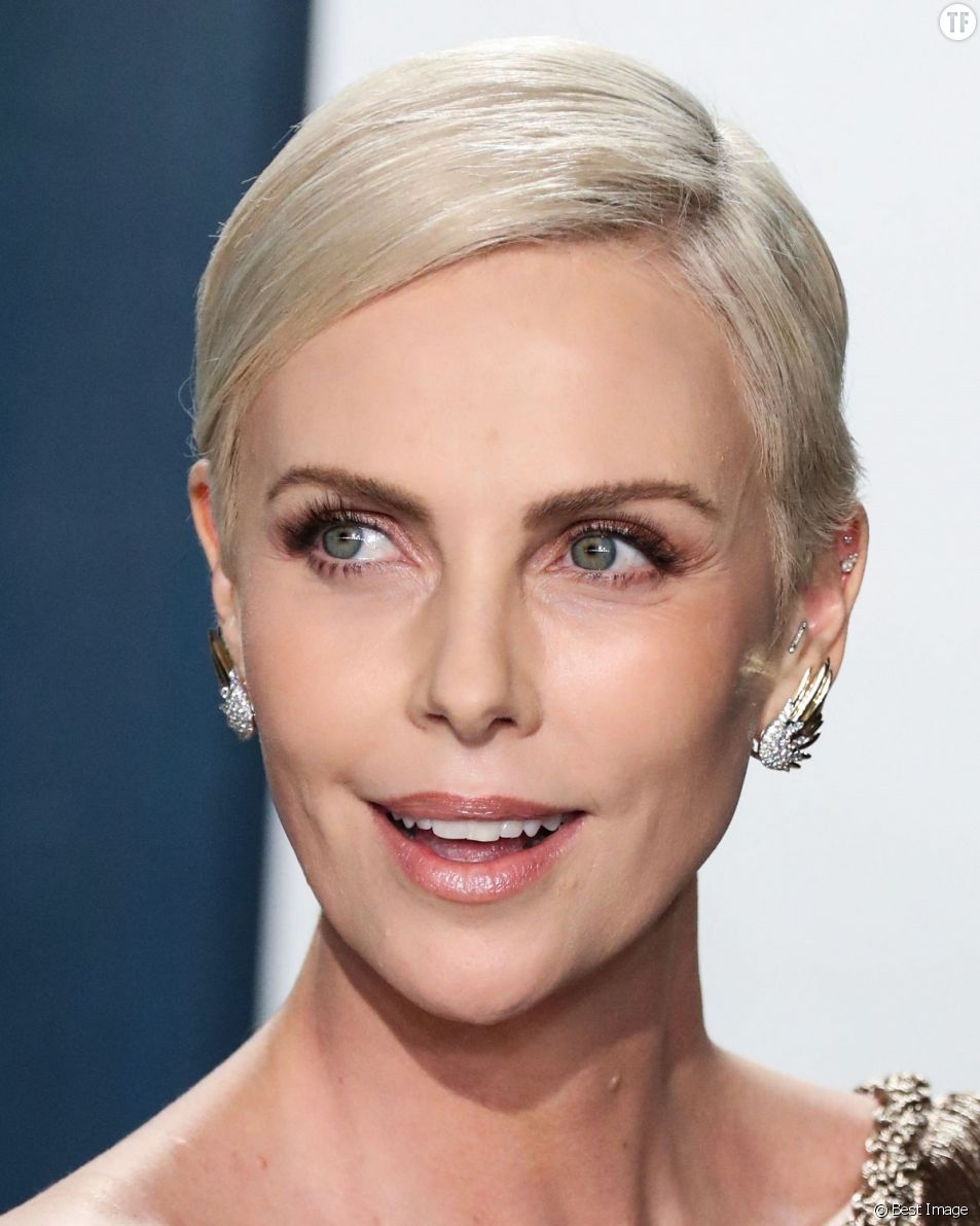 Charlize Theron se paie les macho men de l'industrie.
