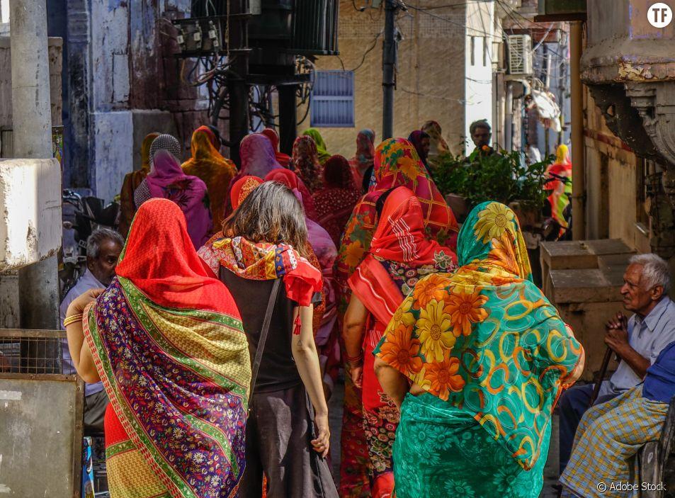 Femmes dans les rues de Pushkar en Inde/photo d'illustration