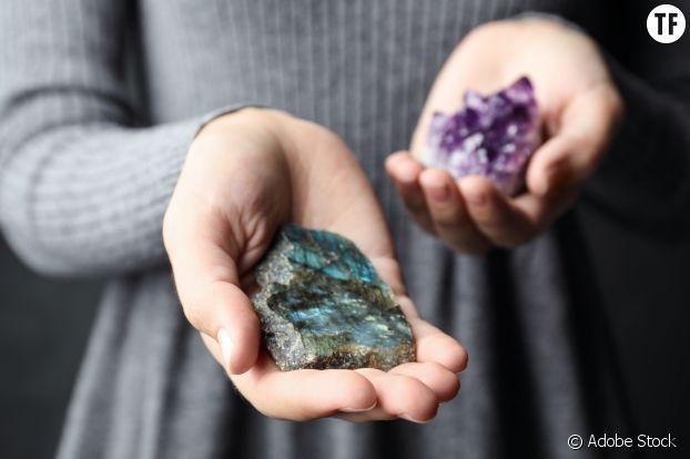 Dormir avec des pierres ou cristaux : la clé d'un meilleur sommeil ?