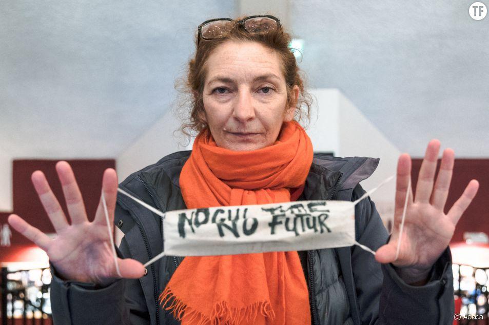 Corinne Masiero avec les occupants du Théâtre du Nord de Lille le 13 mars 2021