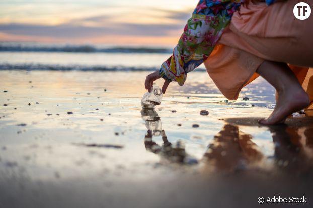 Le plastique envahit les plages, comme les océans.