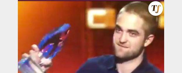 Robert Pattinson devient Golden Boy dans Cosmopolis – Vidéo streaming