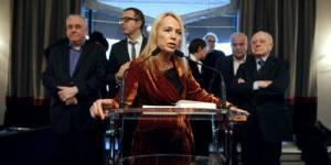 Les féministes se mobilisent derrière François Hollande