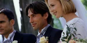 Attendre de faire l'amour une fois mariés rendrait plus heureux