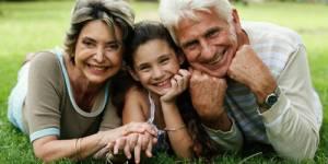 Séniors : faire du sport et voir ses petits-enfants, la recette pour bien vieillir