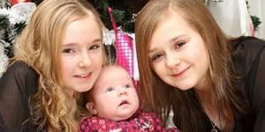 Grande-Bretagne : des triplés ont 11 ans d'écart !