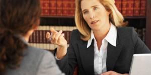 Les femmes avocates victimes de discrimination pendant la grossesse