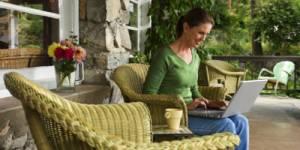 Vacances : 26% des Français travaillent pendant leurs congés