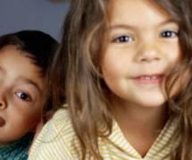 Grandir avec une soeur rend plus apte au bonheur