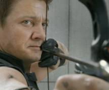 Jeremy Renner dans le costume de Julian Assange ?