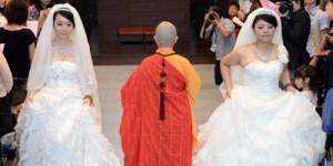 Un mariage homosexuel célébré à Taïwan (vidéo)