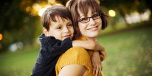 Les mères célibataires sont souvent à découvert... mais heureuses