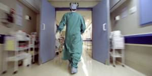 Un bébé prématuré victime des déserts médicaux dans le Lot, le débat relancé